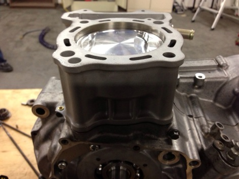 DRZ Engine Rebuild - Brand new piston and cylinder head attached
